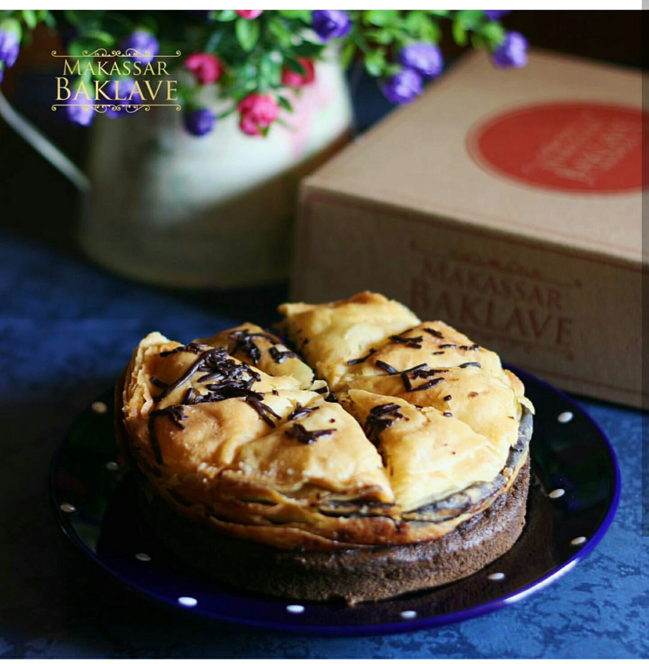 Baklave ini semacam kue dari Turki dan Irfan Hakim mencoba menghadirkannya di makassar Pastry dipadu dengan isian kacang dan cake…sepertinya sedapppp